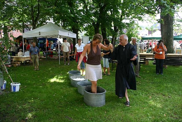 Wassertreten mit Pfarrer Kneipp